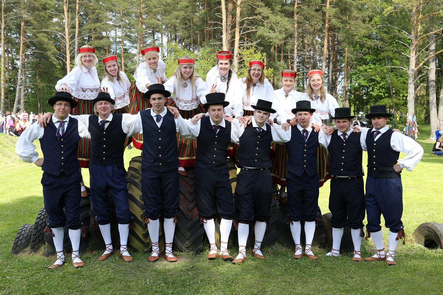 2015 05 30 Regilaul ja karuäke väiksem